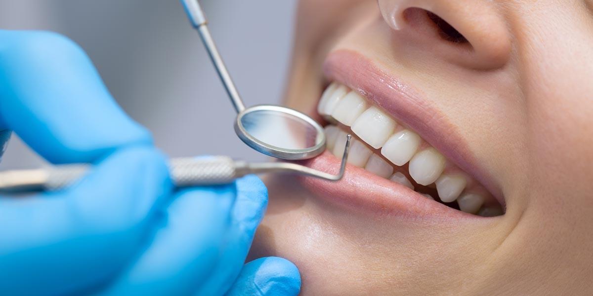 Clinica Dental Mediterrani   Caries: qué son y como podemos prevenirlas